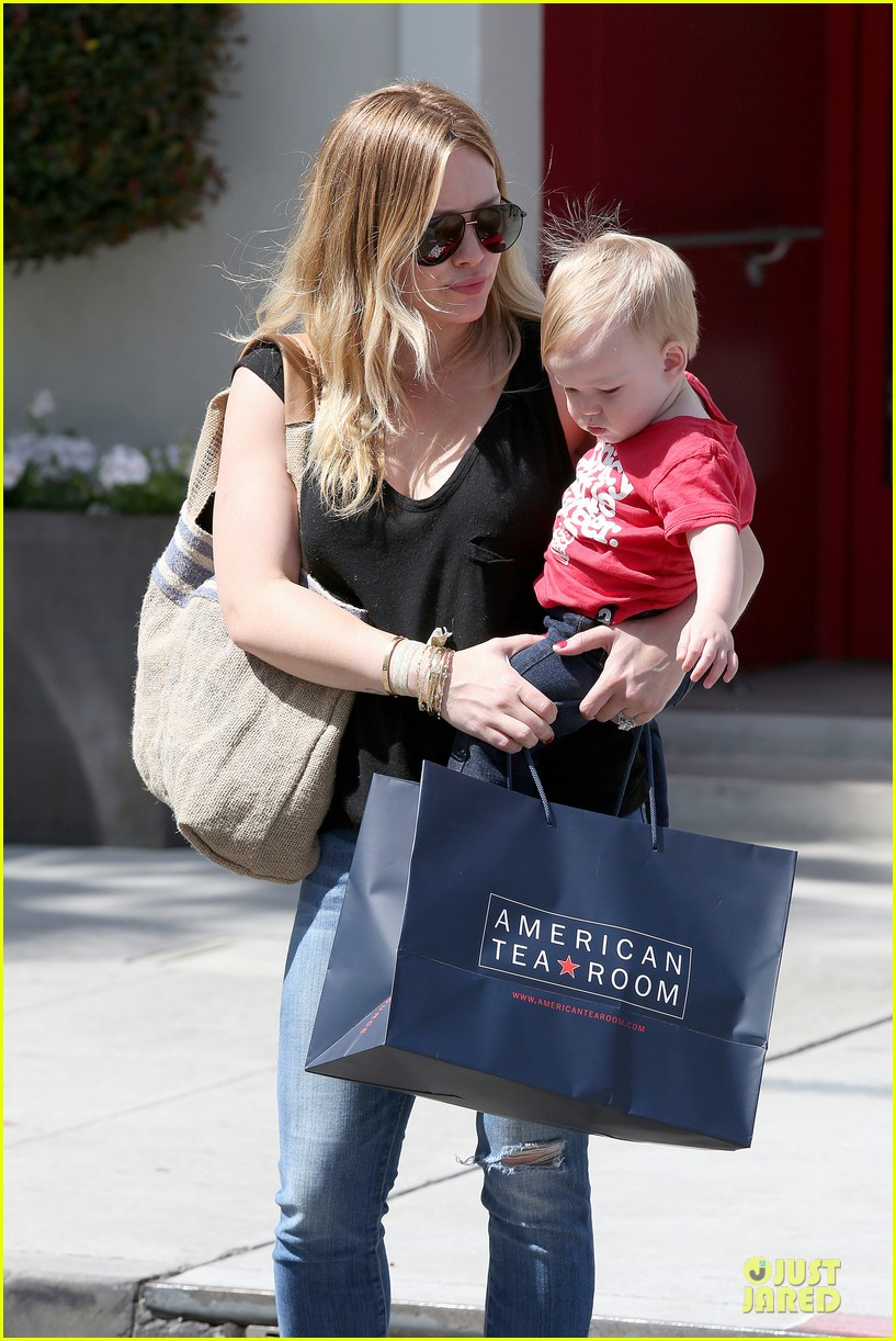 hilary duff daily grill lunch stop 16