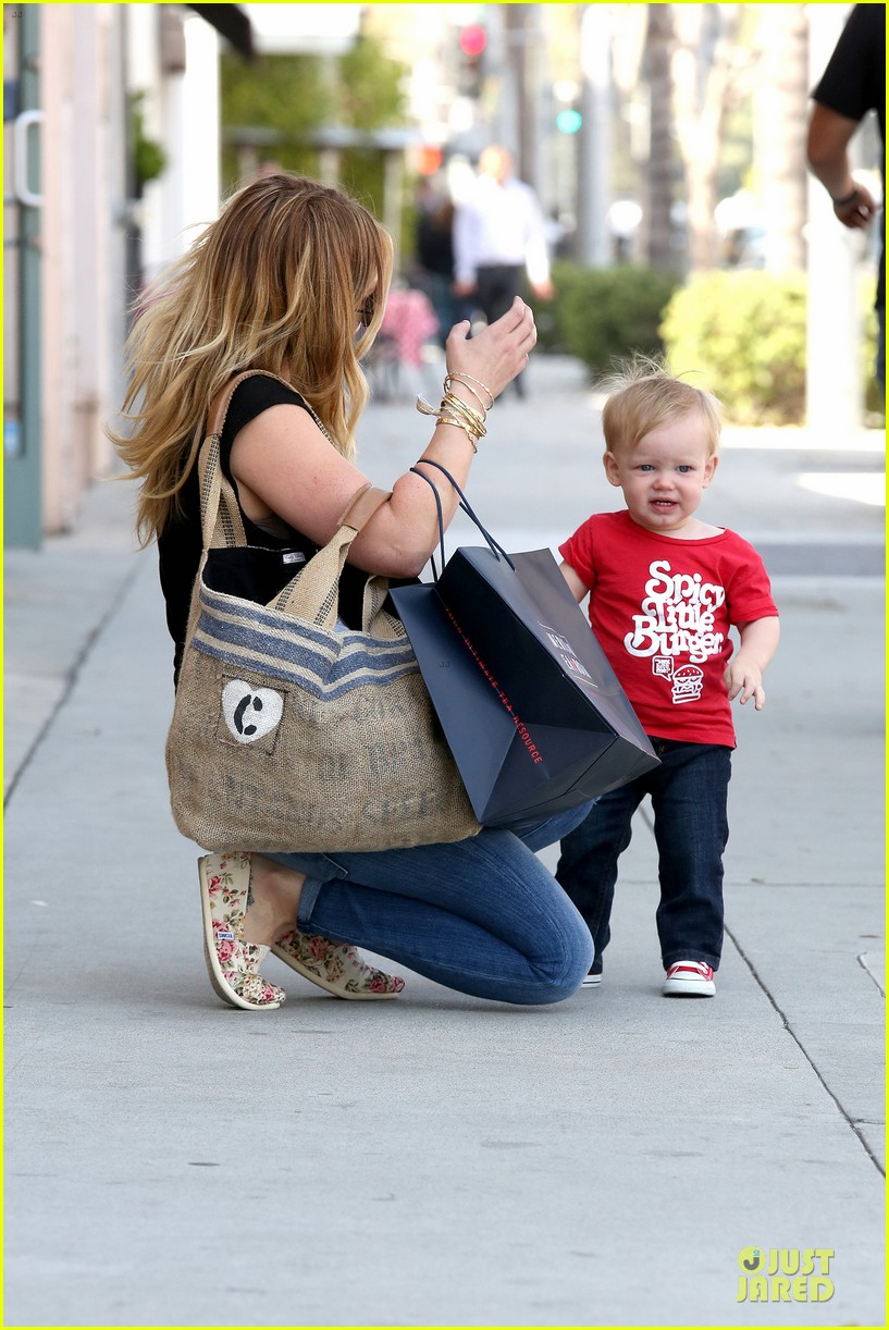 hilary duff daily grill lunch stop 21