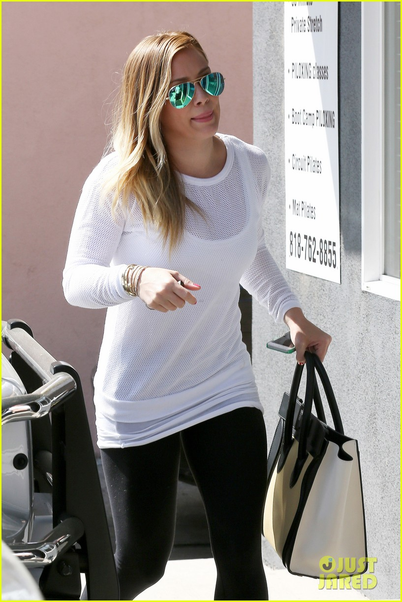 hilary duff la outing with sleepy luca 102839185