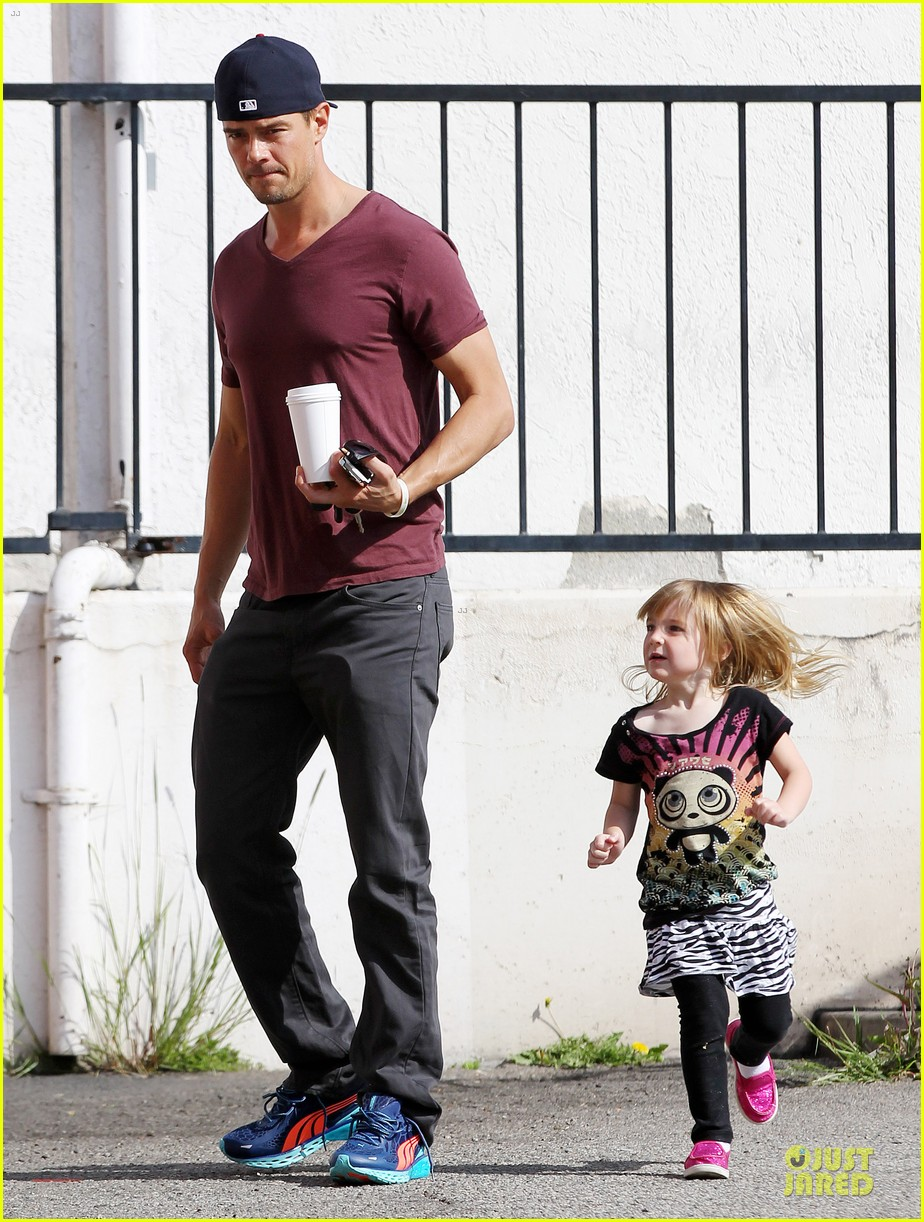 josh duhamel baby boy with fergie 032837940