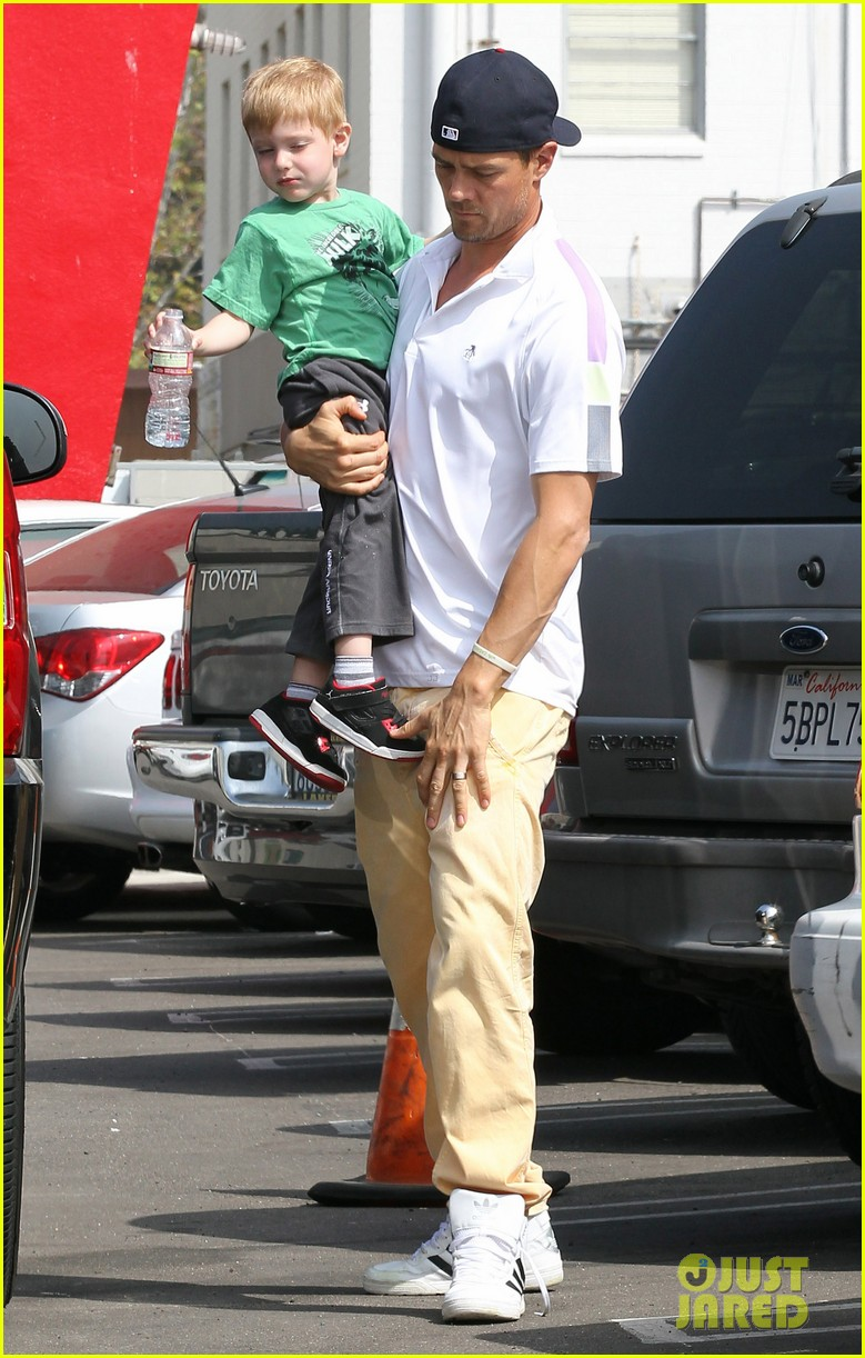 josh duhamel in n out outing 12