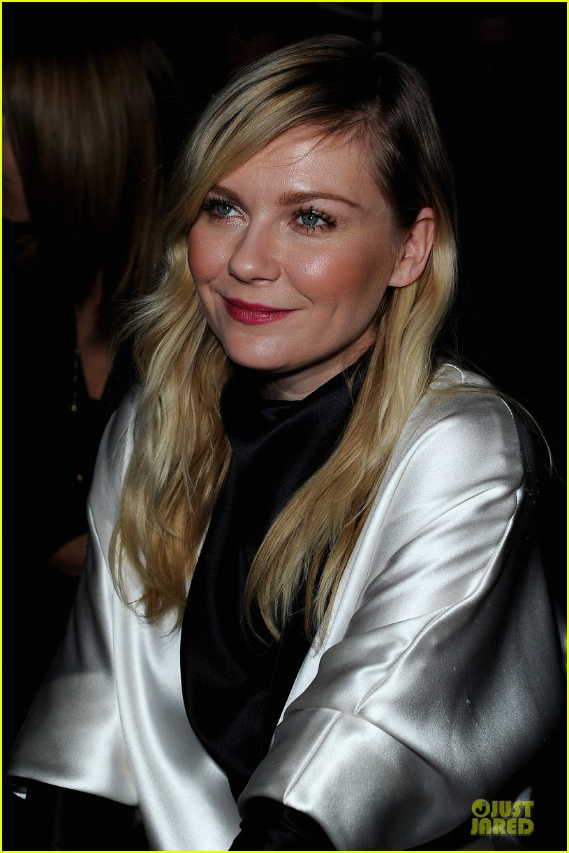 kirsten dunst garrett hedlund saint laurent fashion show 10
