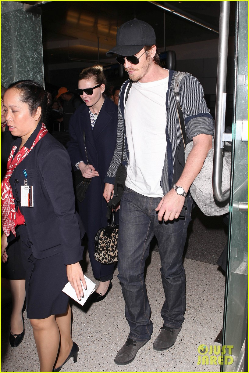 kirsten dunst garrett hedlund paris to los angeles 06