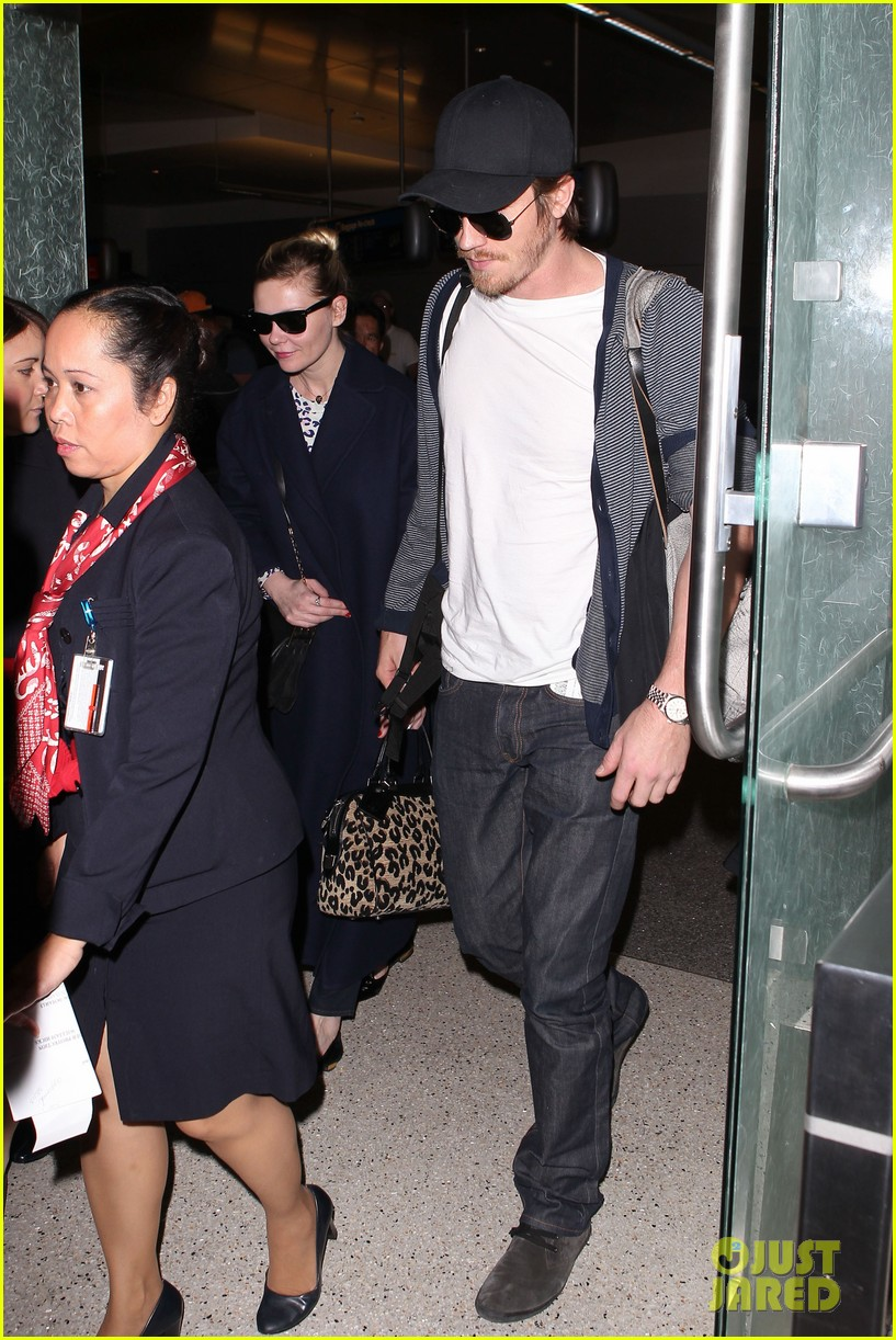 kirsten dunst garrett hedlund paris to los angeles 102826442