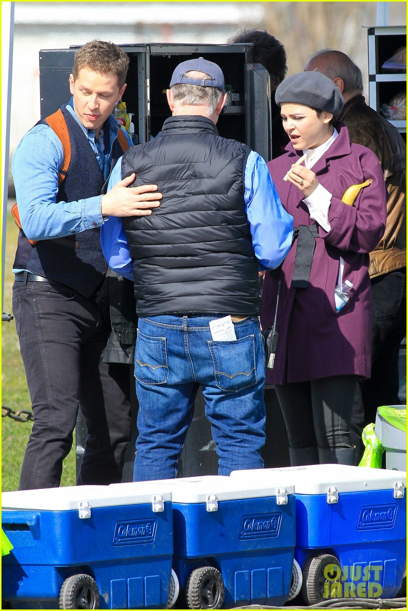 ginnifer goodwin emile de ravin once upon a time set 11