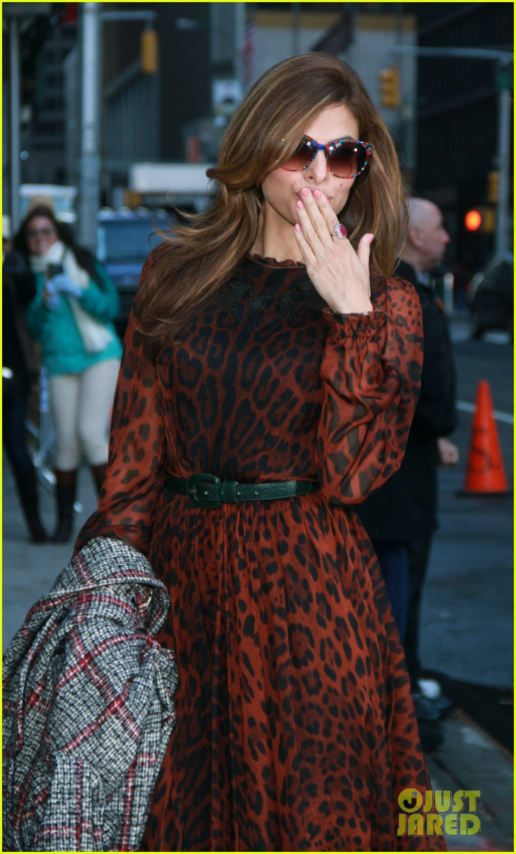 eva mendes late show appearance 042834405