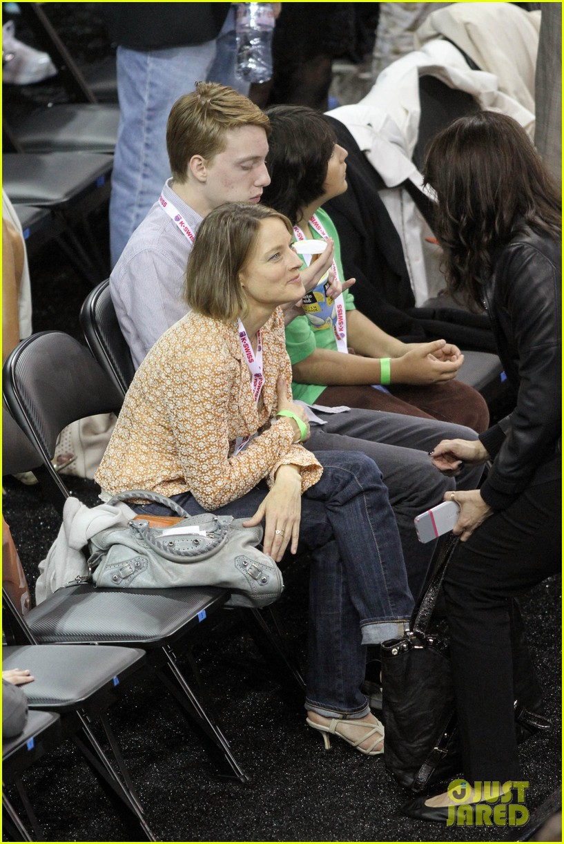 jodie foster errands after tennis match with charlie kit 14