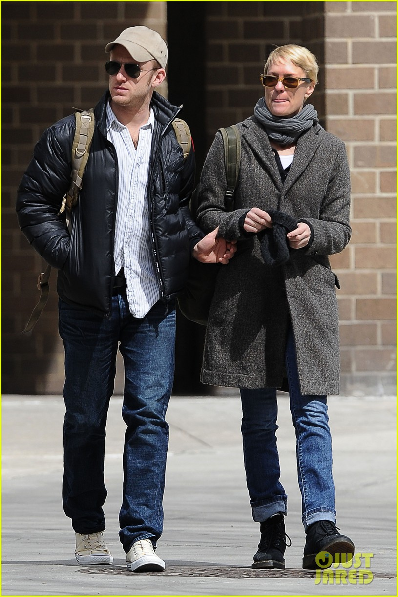 robin wright ben foster sunday lunch lovers 01