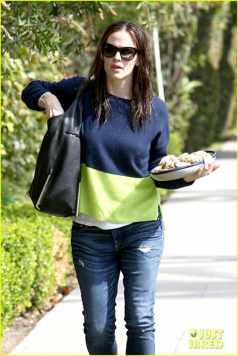 jennifer garner baked goods for violet 072839207