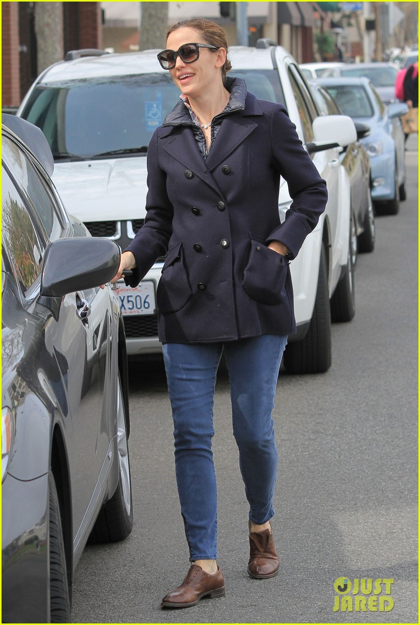 jennifer garner ben affleck morning coffee run with sera 18