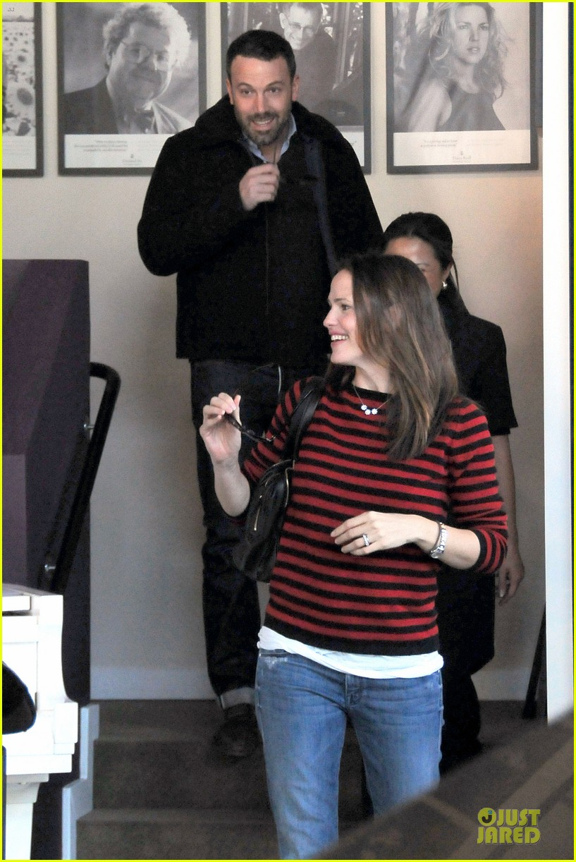 jennifer garner ben affleck piano shopping couple 03