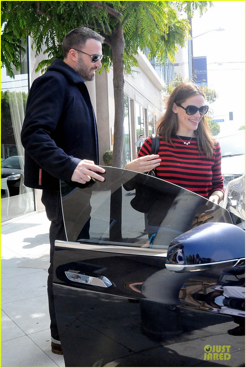 jennifer garner ben affleck piano shopping couple 12
