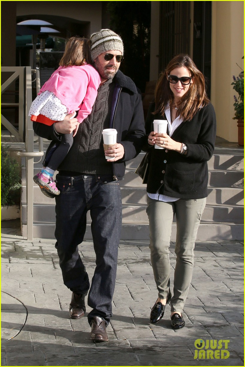 jennifer garner ben affleck breakfast run with sera 04
