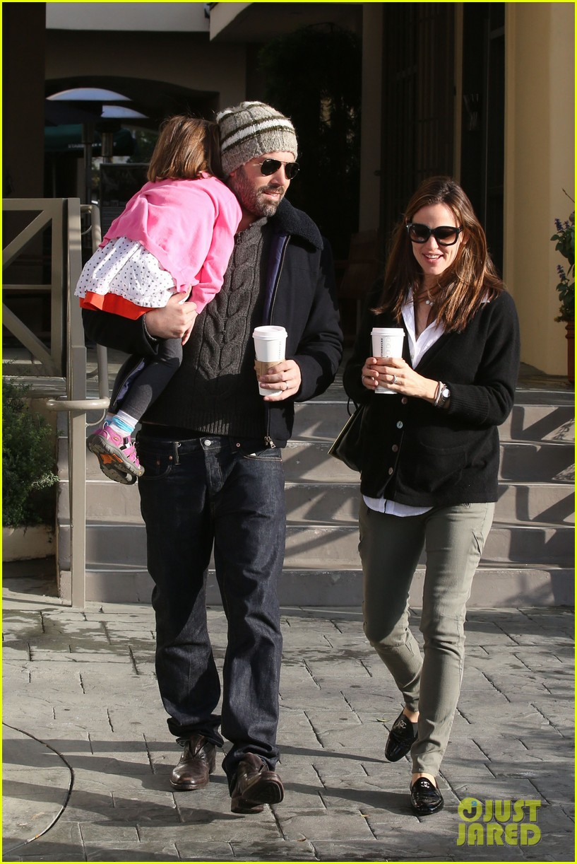 jennifer garner ben affleck breakfast run with sera 102835797