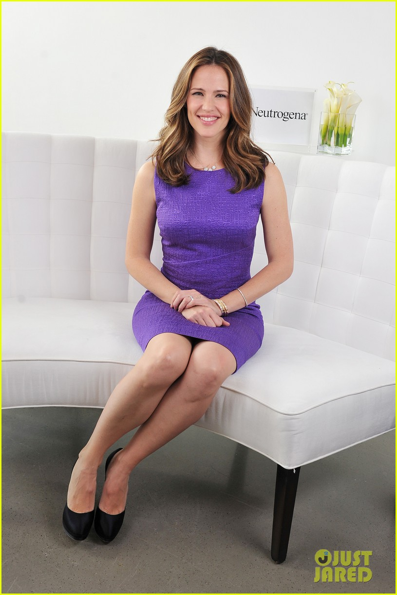 jennifer garner neutrogena sun summit 06