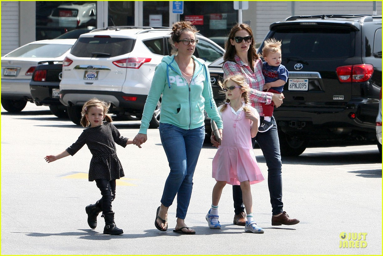 jennifer garner tavern girls night after day with the kids 222840080