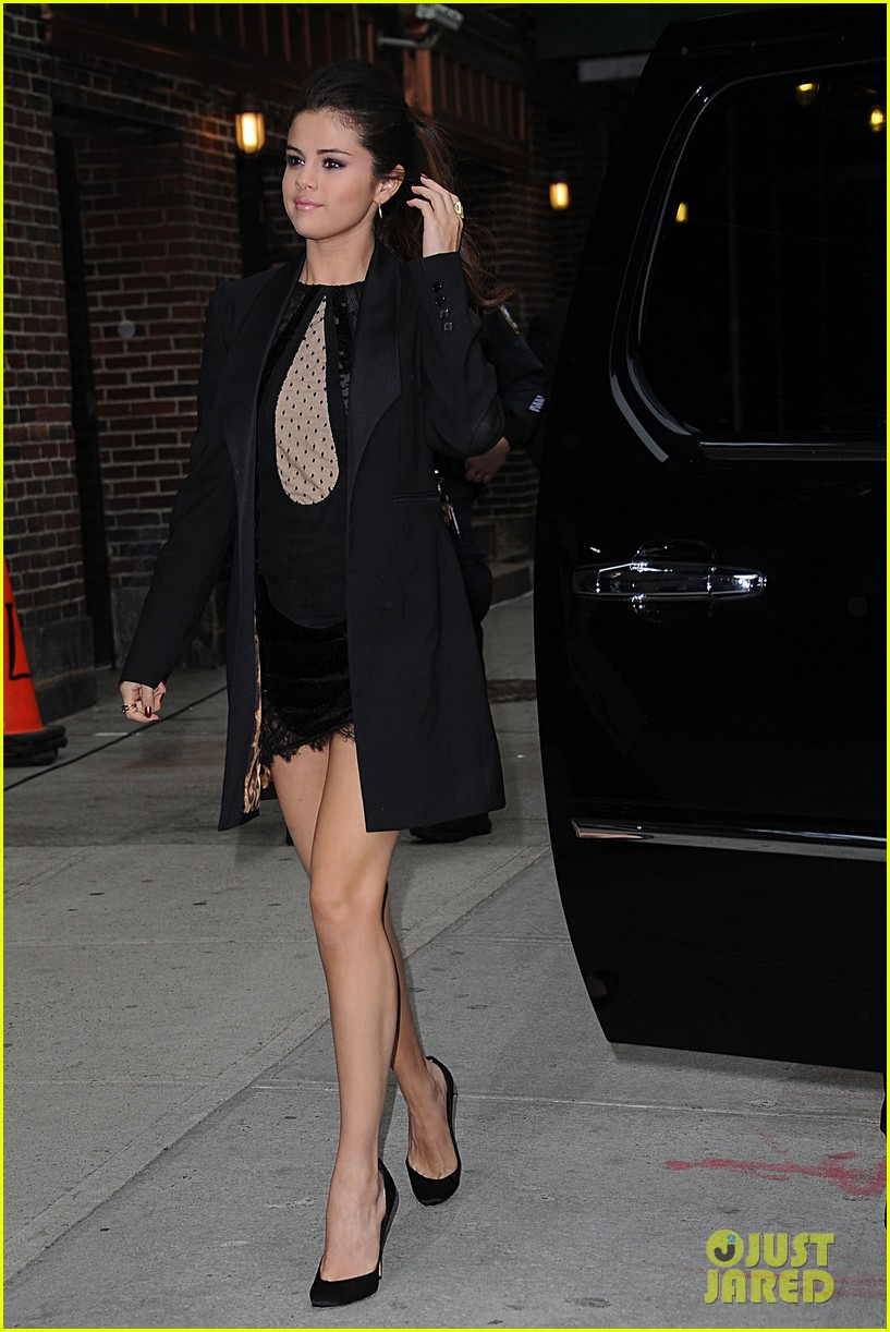 selena gomez late show with david letterman appearance 17