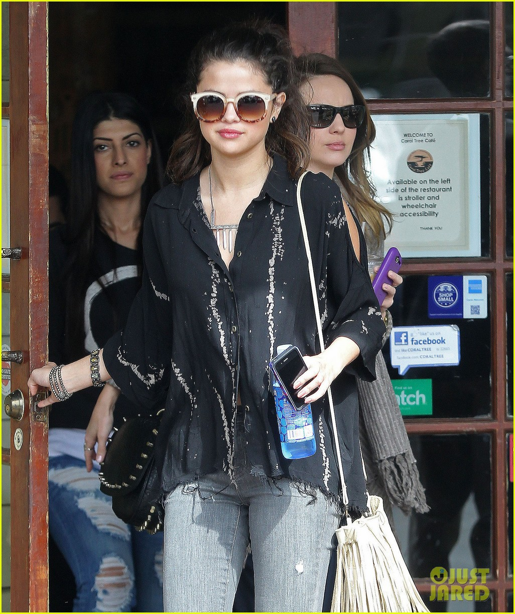 selena gomez coral tree cafe lunch 062824379