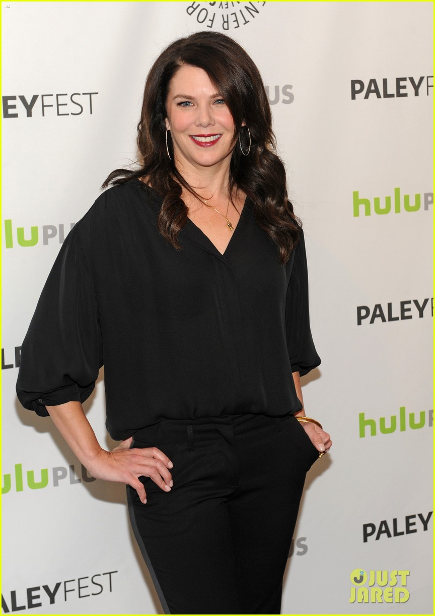lauren graham paleyfest with parenthood cast 152827178