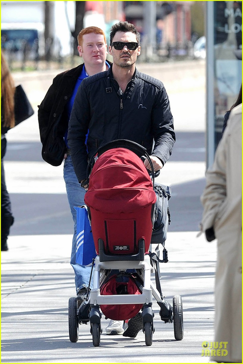 brian austin green adidas store shopping with noah 09