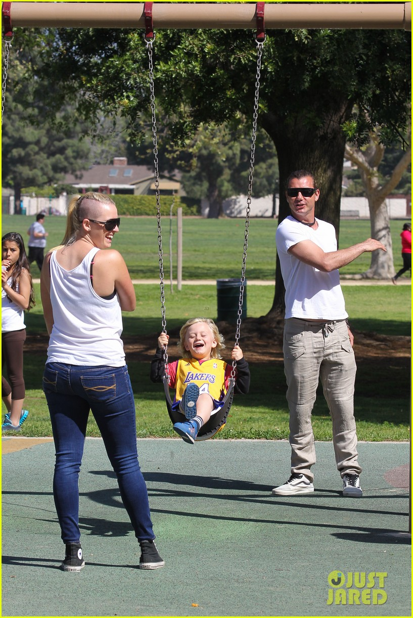 gwen stefani gavin rossdale family fun at the park 15
