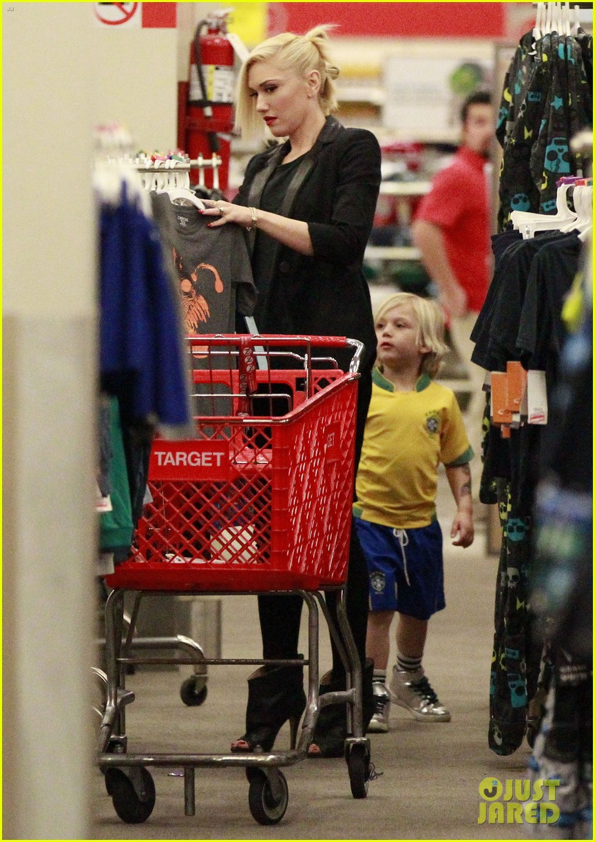 gwen stefani target trip with kingston zuma 022824170