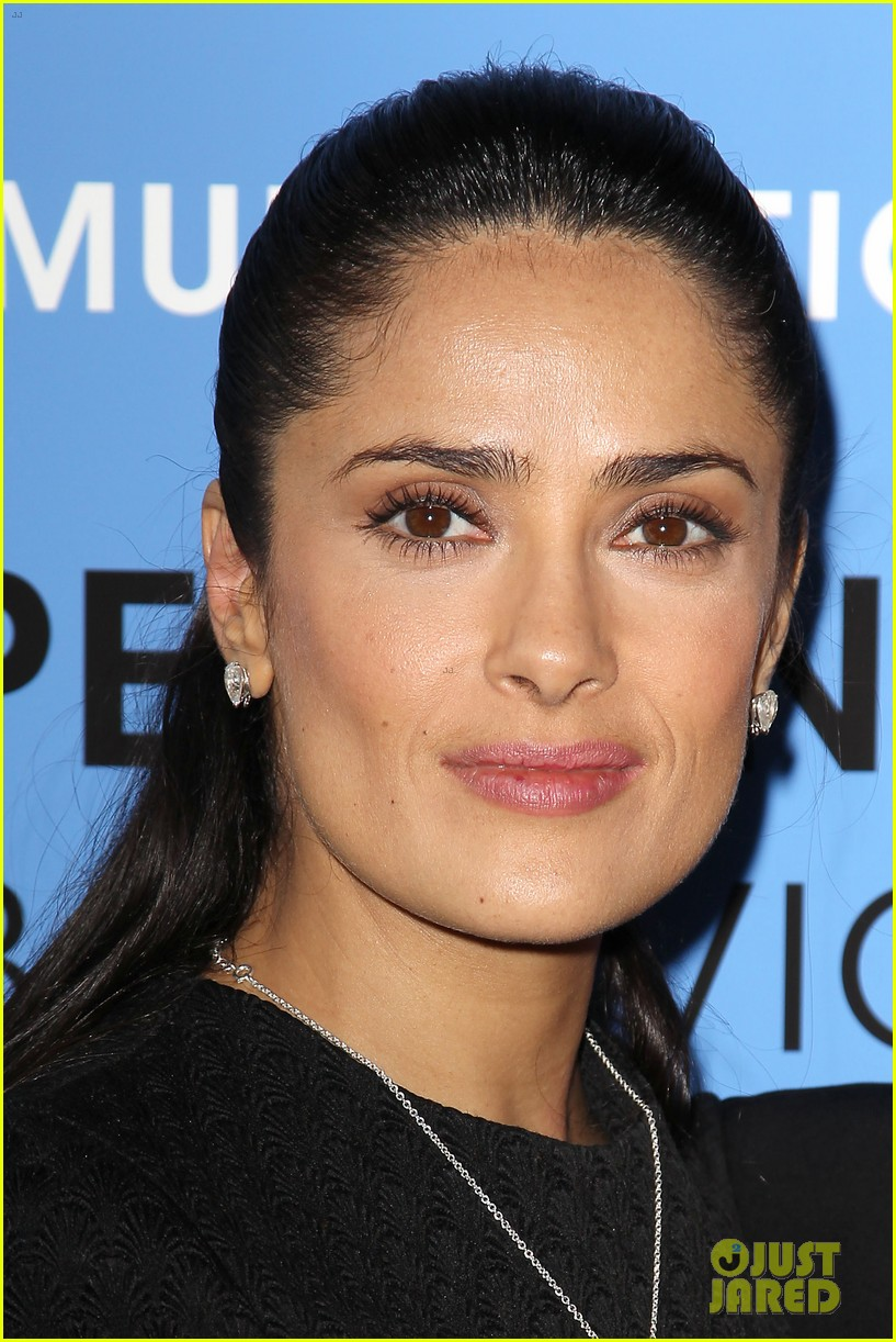salma hayek avon communication awards 2013 16