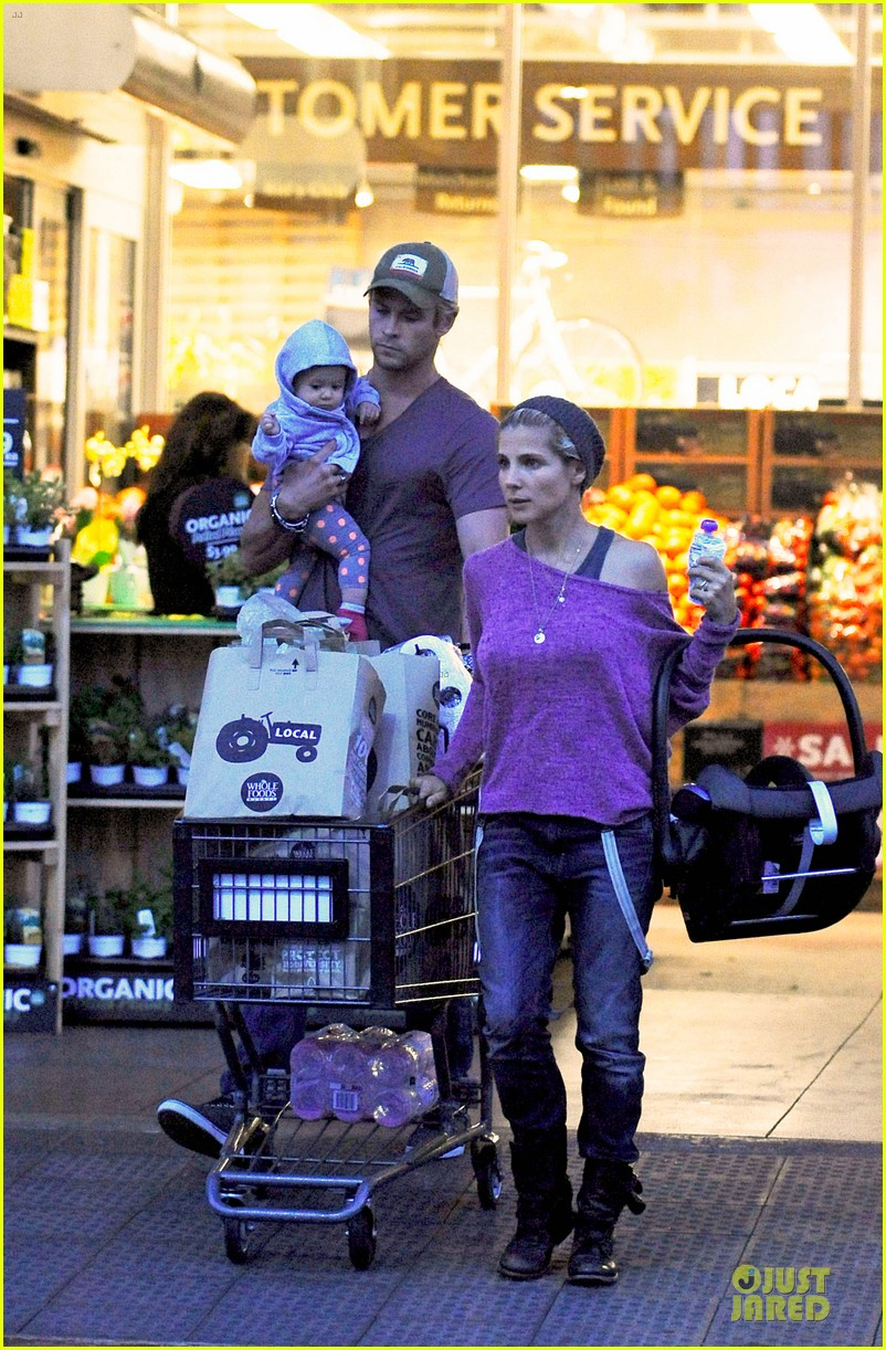 chris hemsworth elsa pataky whole foods family run 01