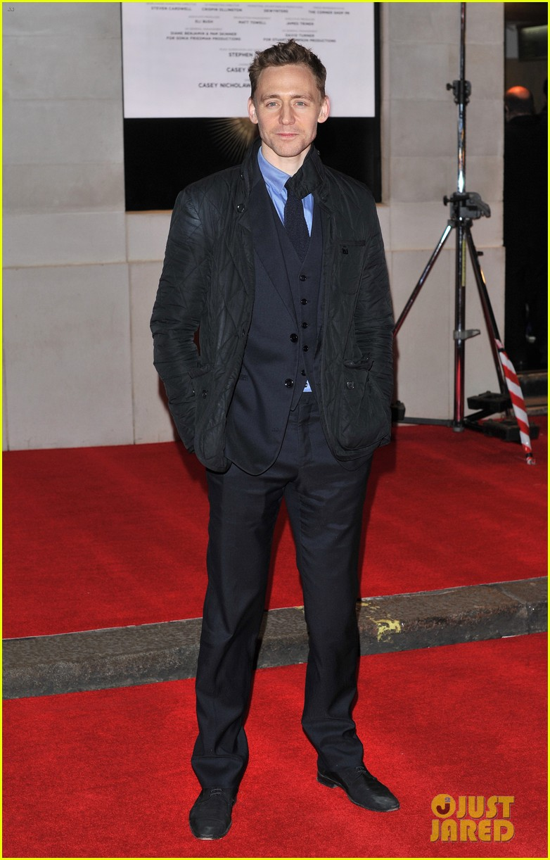tom hiddleston damian lewis book of mormon in london 28