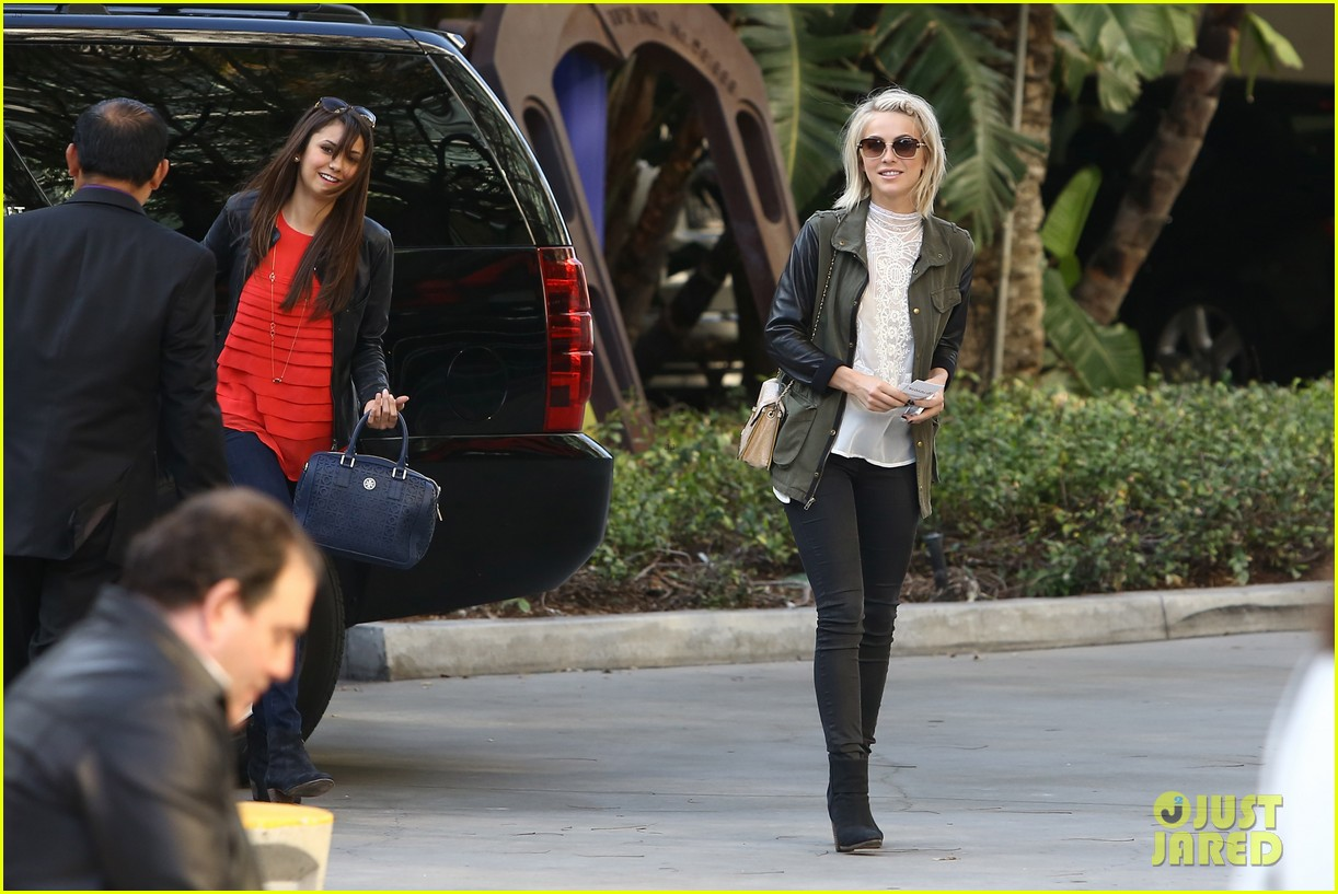 julianne hough post split lakers game with nina dobrev 092832722