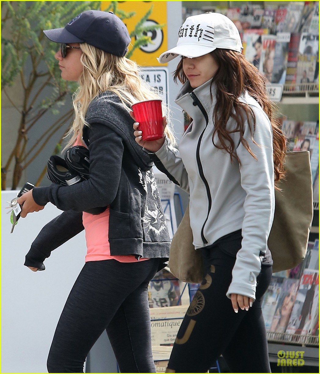vanessa hudgens gym workout with ashley tisdale 142833933
