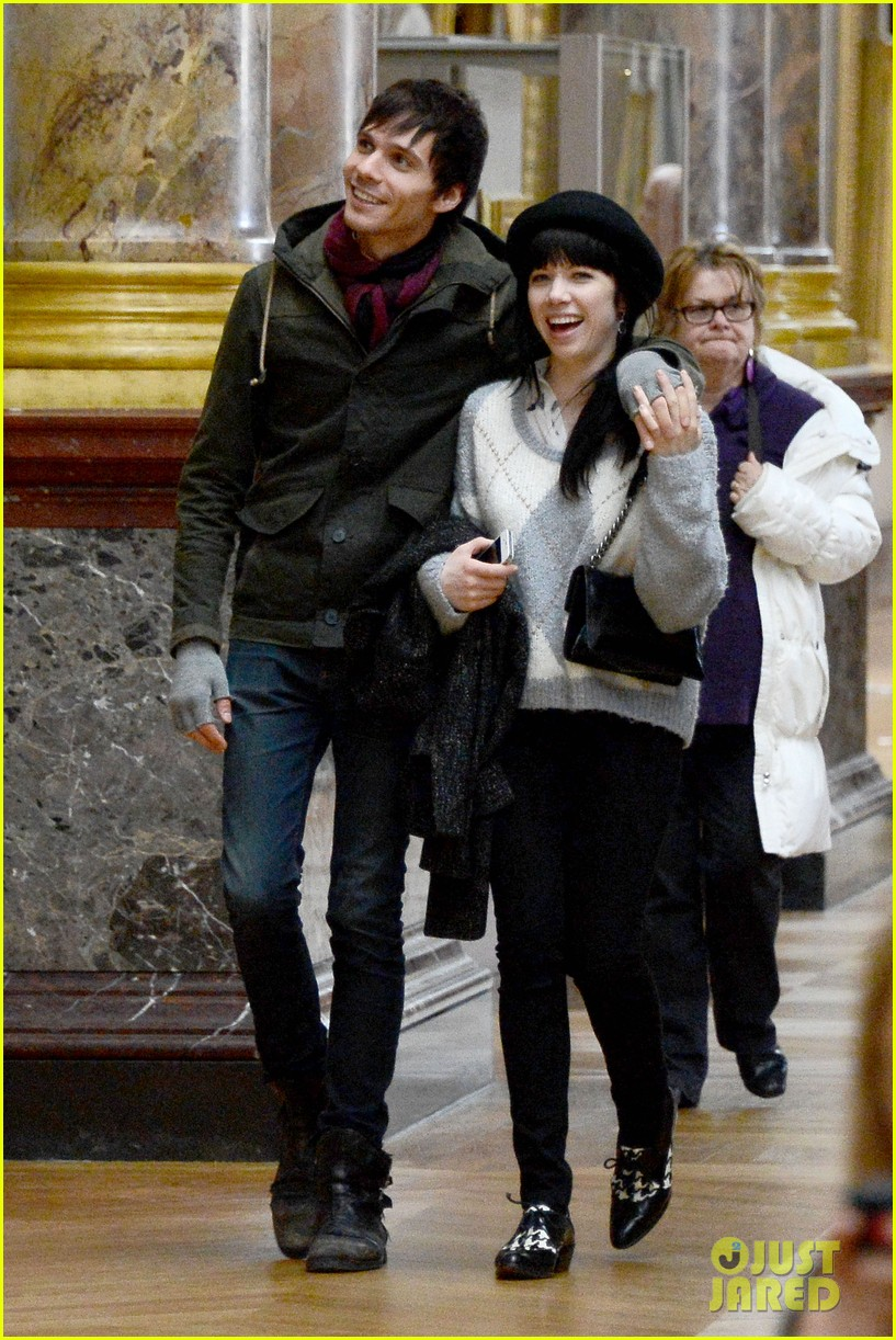 carly rae jepsen matthew koma louvre lovebirds 012833490