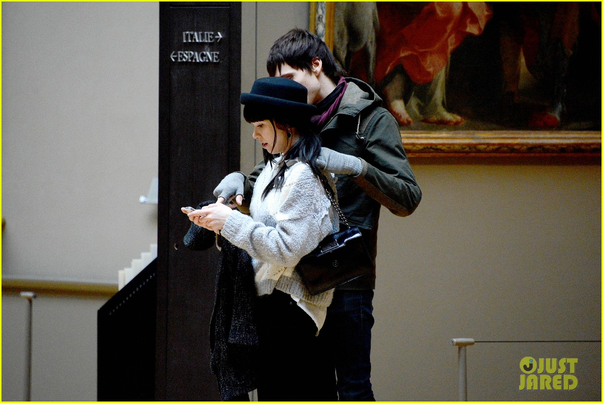 carly rae jepsen matthew koma louvre lovebirds 162833505