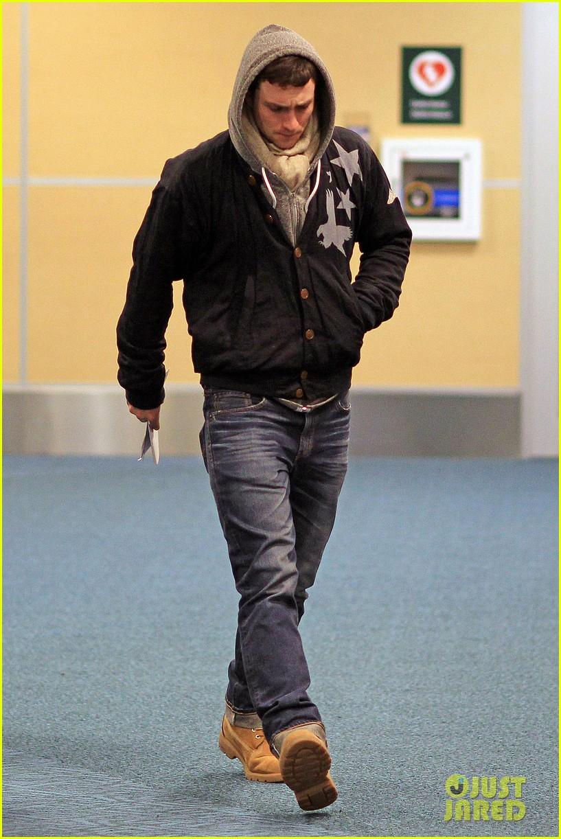 aaron taylor johnson bryan cranston godzilla begins filming 07