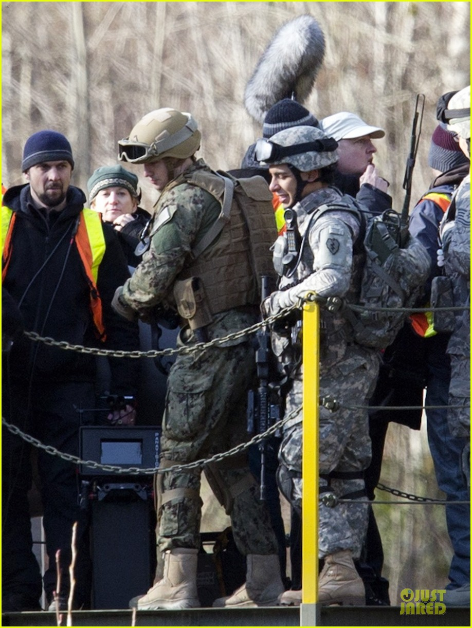 aaron taylor johnson military uniform on godzilla set 102835970
