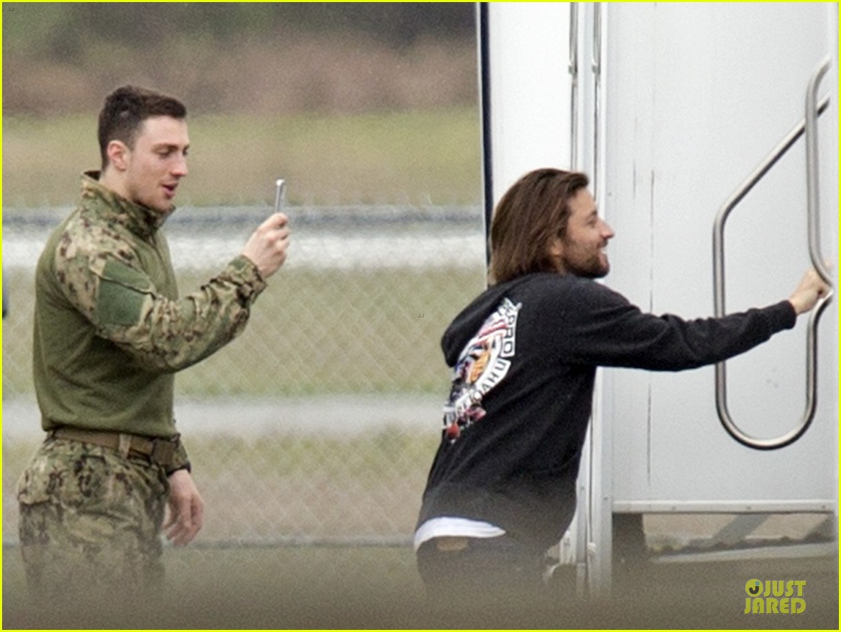 aaron taylor johnson military uniform on godzilla set 20