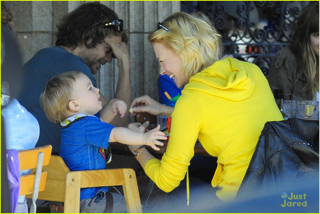 january jones xander le pain quotidien lunch 01