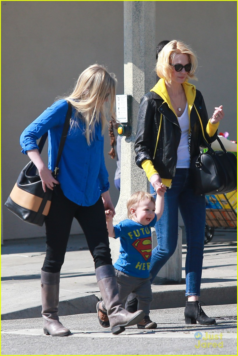 january jones xander le pain quotidien lunch 09