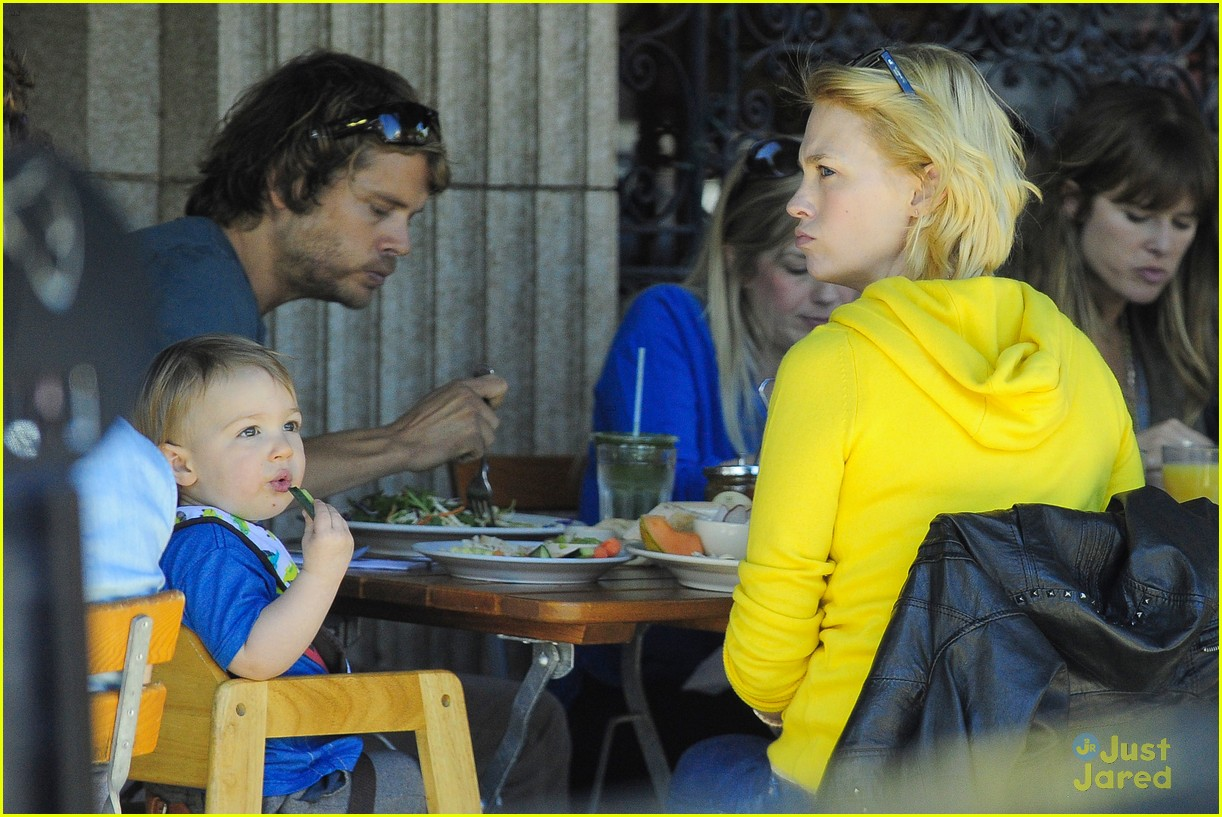 january jones xander le pain quotidien lunch 17