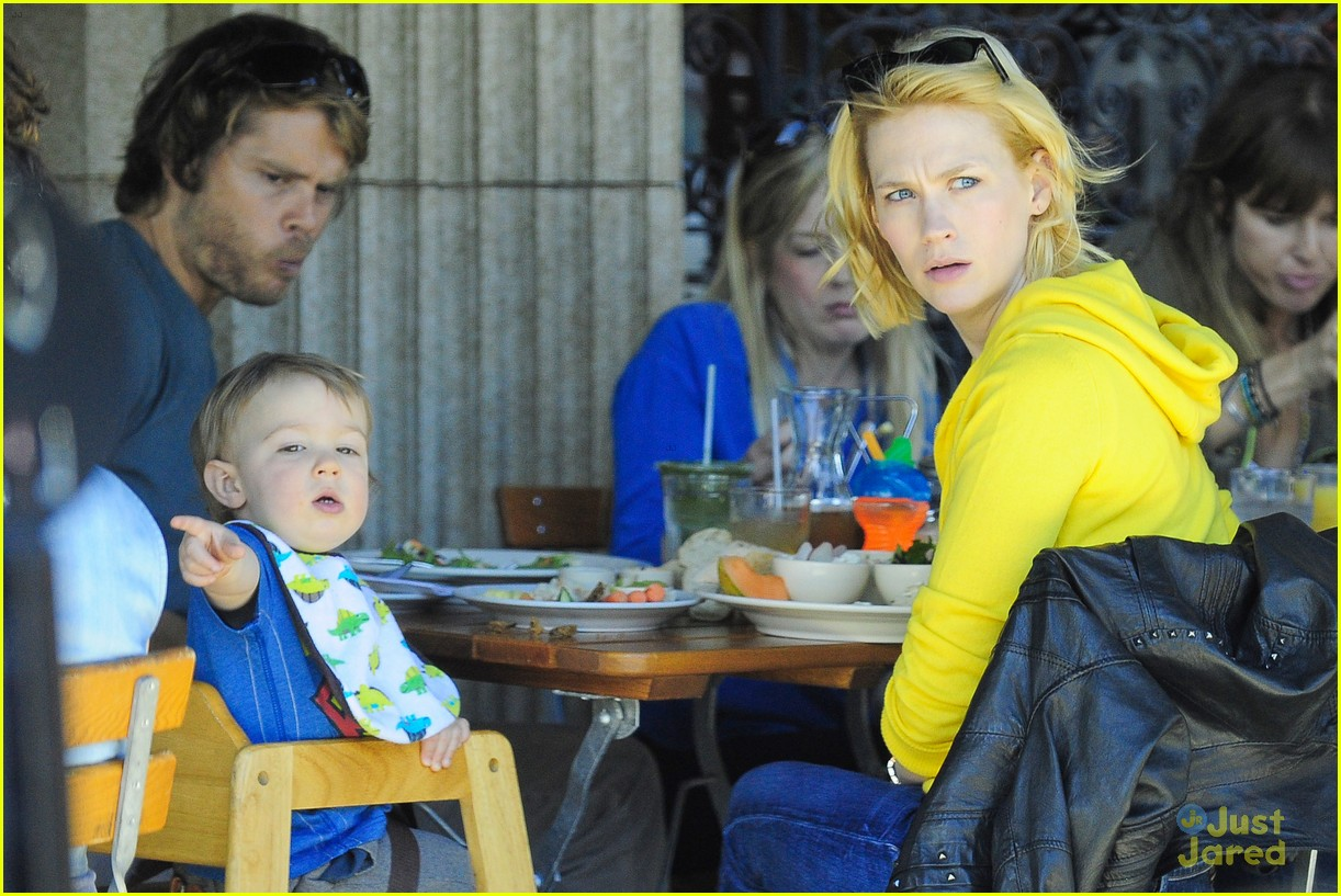 january jones xander le pain quotidien lunch 23