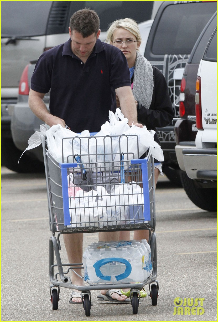 jamie lynn spears grocery shopping with jamie watson 082840641