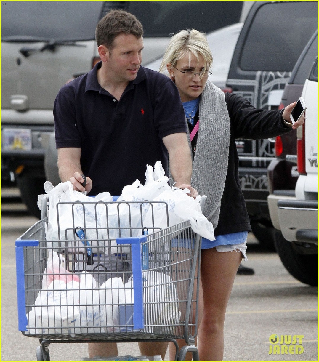 jamie lynn spears grocery shopping with jamie watson 11