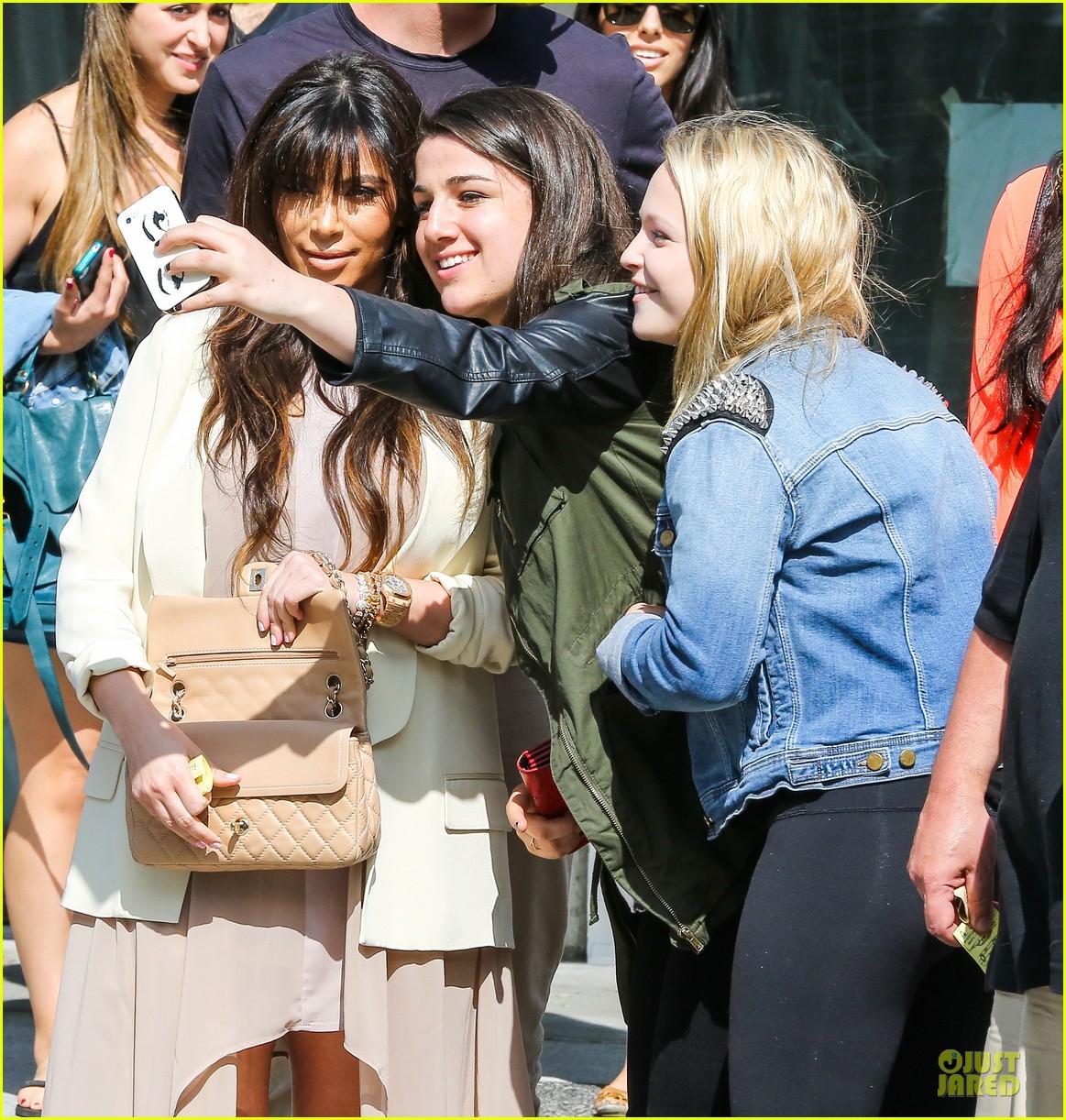 kim kardashian atlanta landing for temptation premiere 022831590