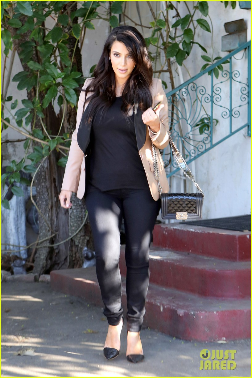 kim kardashian loves expectant mom parking spots 19