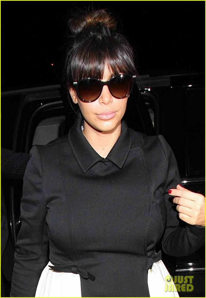 kim kardashian shows off acupuncture face 022837853