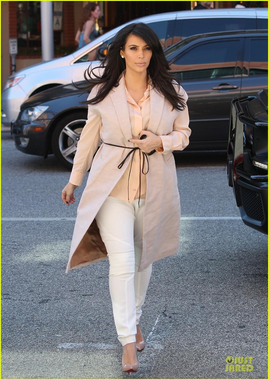pregnant kim kardashian vampire facial 172829509