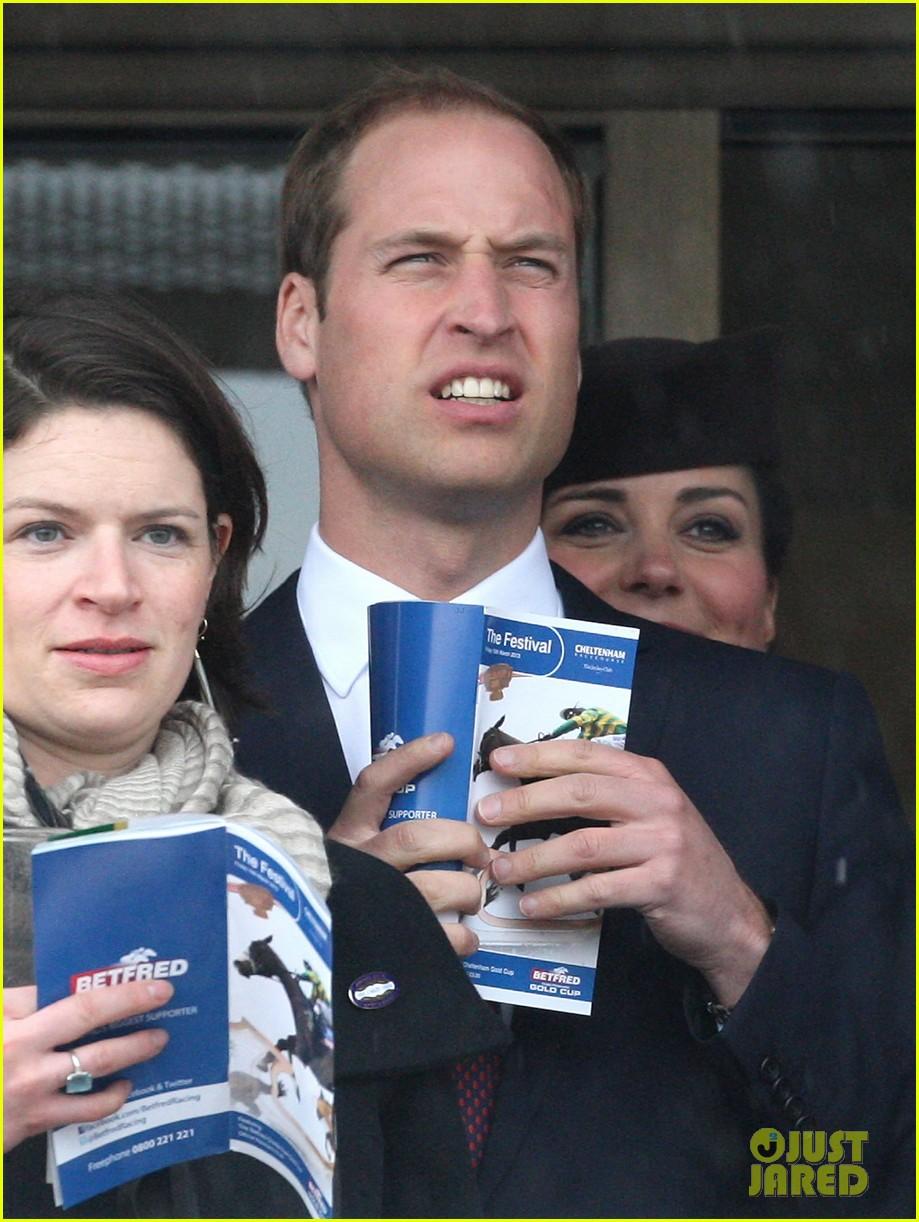 kate middleton pregnant cheltenham visit with prince william02