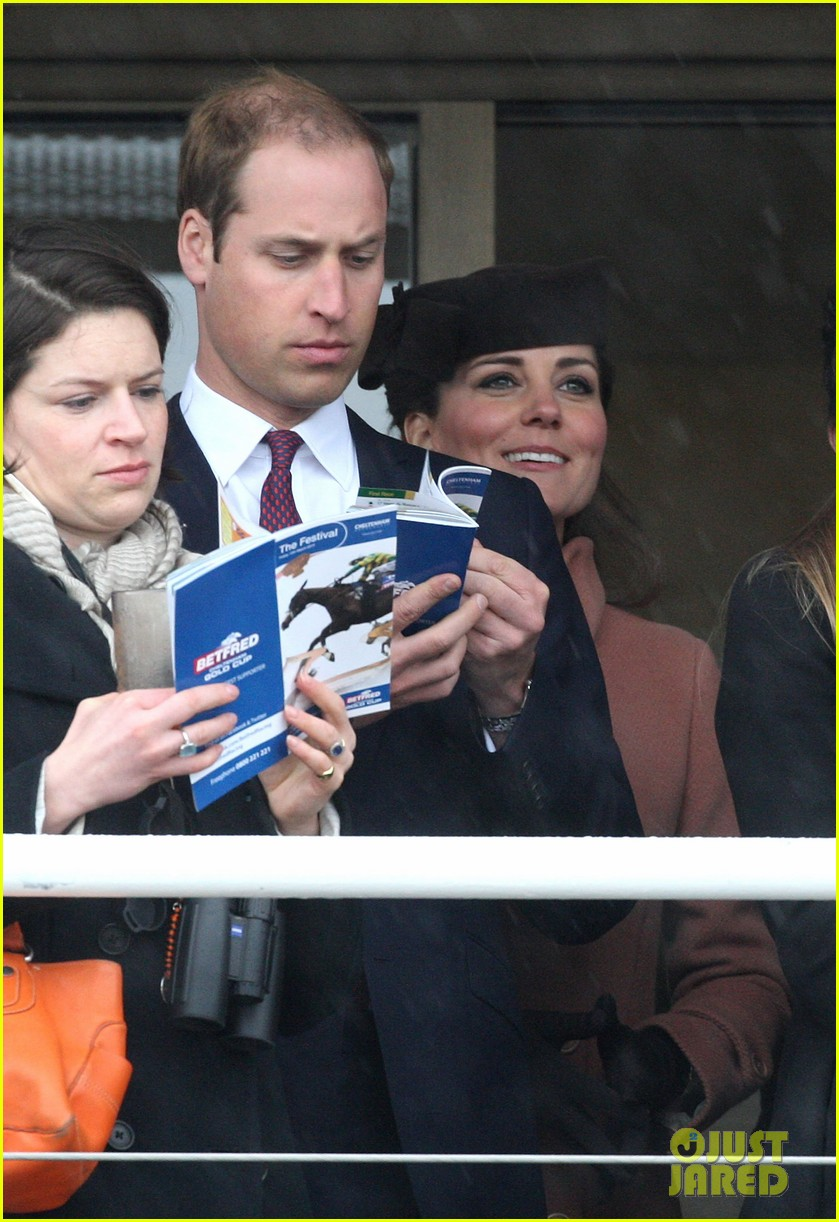 kate middleton pregnant cheltenham visit with prince william05