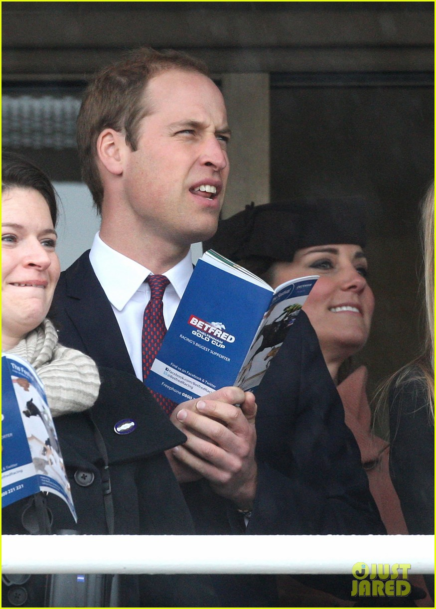 kate middleton pregnant cheltenham visit with prince william11