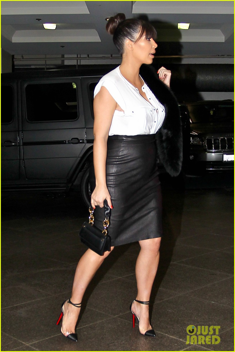 kim kardashian pregnant il pastaio lunch 05